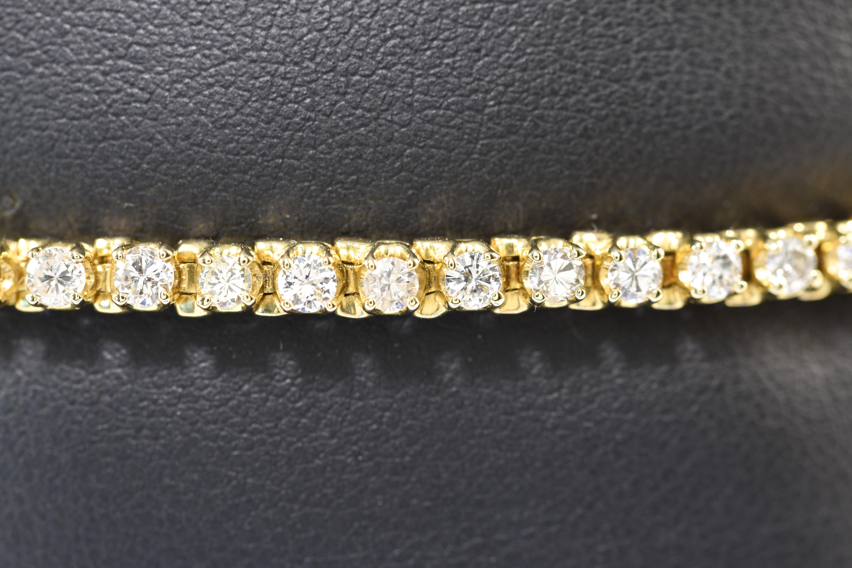 Bracelet-Lady's 14 kt Yellow Gold Diamond Tennis Bracelet Round Cut Diamonds 2 ct tdwt